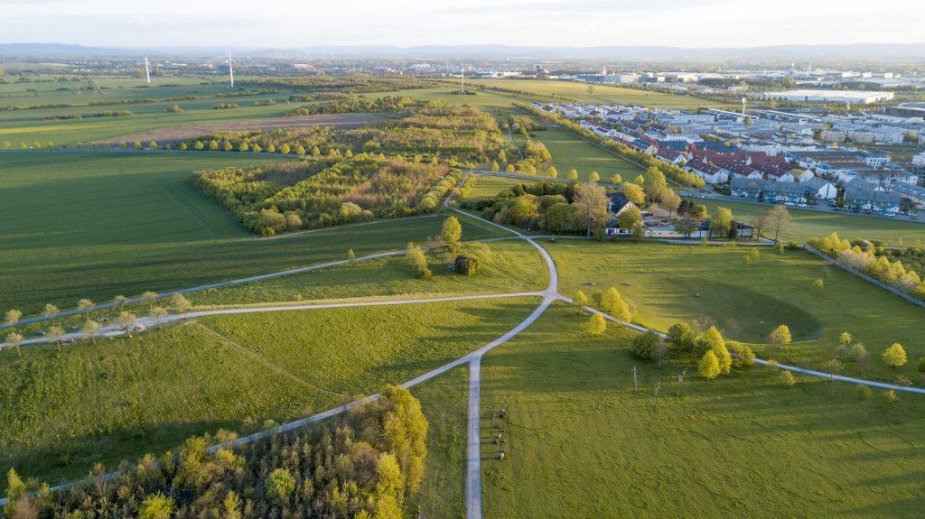 Kronsberg aus der Luft Entstehungsort für die Kronsberger Höfe
